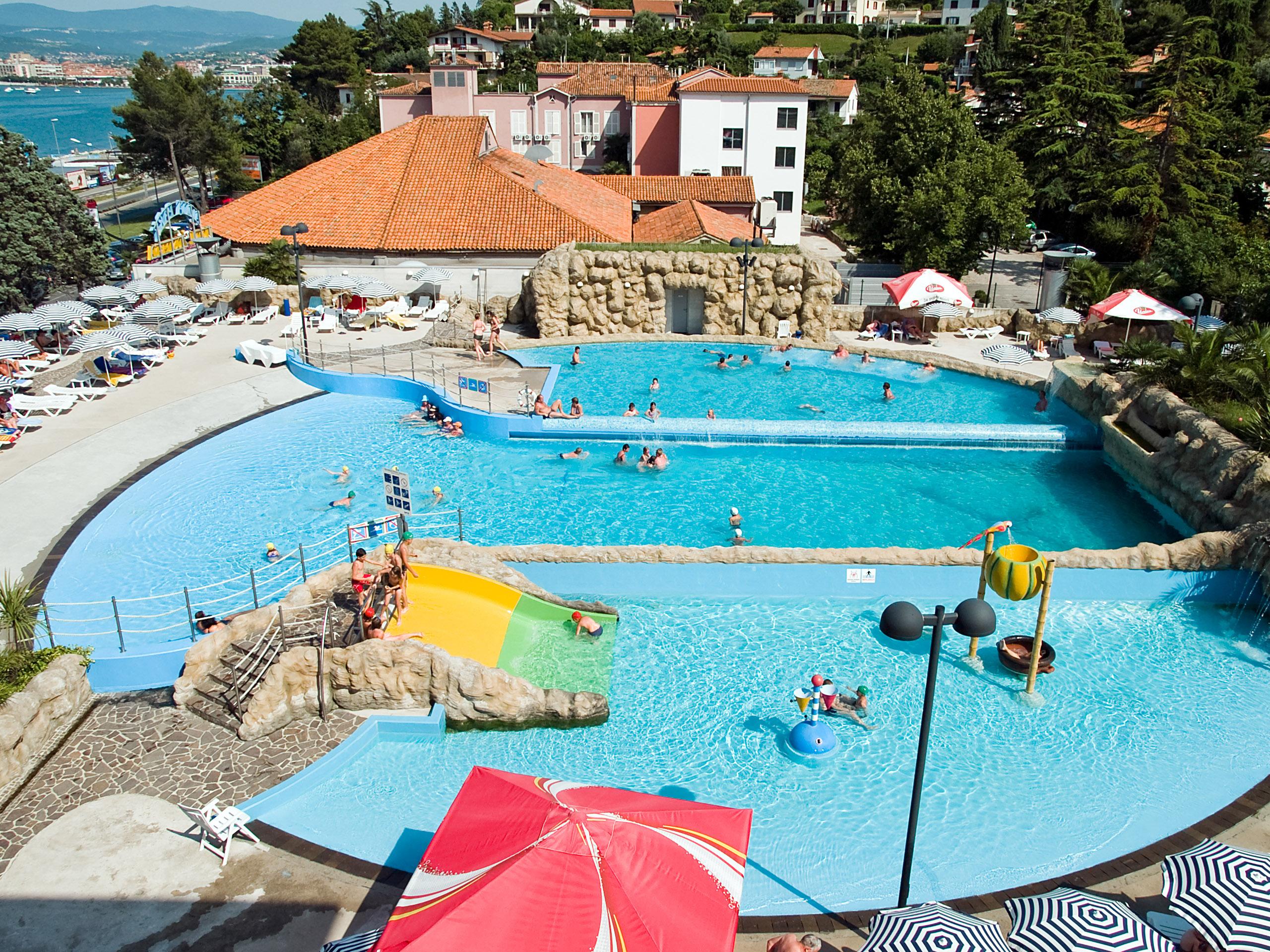 Aquapark usterna terme ate - Terme di castrocaro prezzi piscina ...
